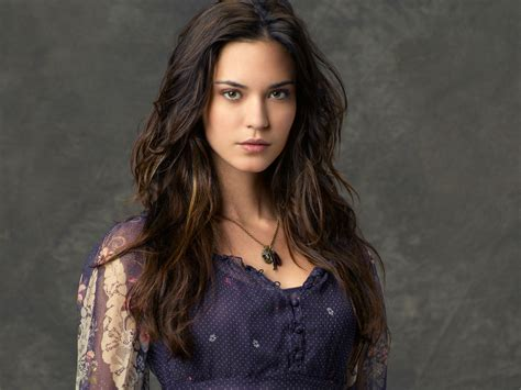 sweet 16 halls woman 2 2 15 odette annable banshee king of