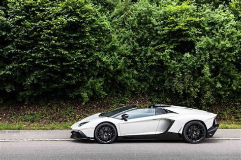 bianco lamborghini aventador 50th anniversario roadster photoshoot gtspirit bianco lamborghini aventador roadster 50th anniversario left side sssupersports
