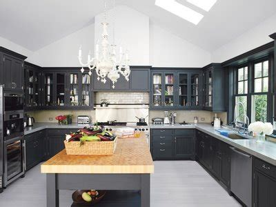 grey kitchen cabinets with black appliances repeindre une cuisine en bois 8358