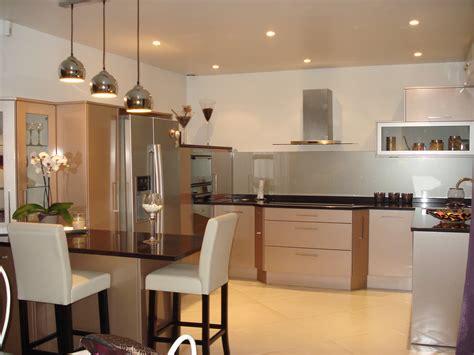 modele cuisine ouverte avec bar modele de cuisine ouverte sur salon cuisine