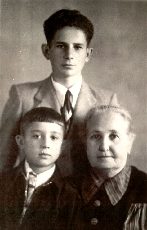 paternal grandparents dora puchalskaya s paternal grandmother riva gitman and cousins michael and yakov geller