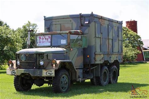 jeep van truck m185a3 2 1 2 ton duce half truck van cargo m35a2 1966