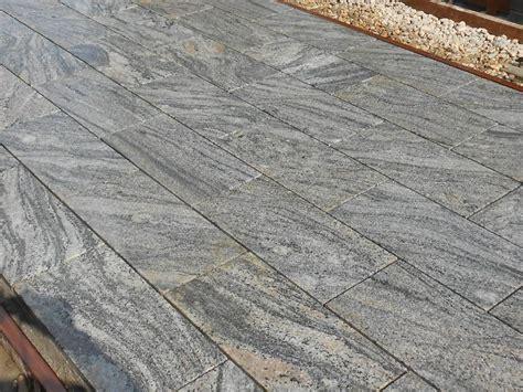 Granitplatten Für Terrasse by Kiruna Granitplatten Terrasse Traumgarten