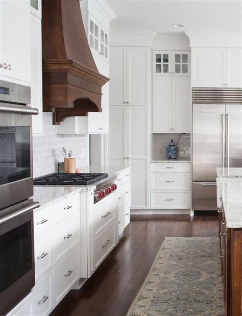 New Classic Interior Design Ideas  Home Bunch Interior. Kitchen Glass Tops. Bread Street Kitchen & Bar Hong Kong. Kitchen Shelves Tiles. Kitchen Sink Black. Kitchen Colors Of 2016. Yelp Parkstone Wood Kitchen. Kitchen Quotes And Sayings Funny. Kitchenaid Empire Red