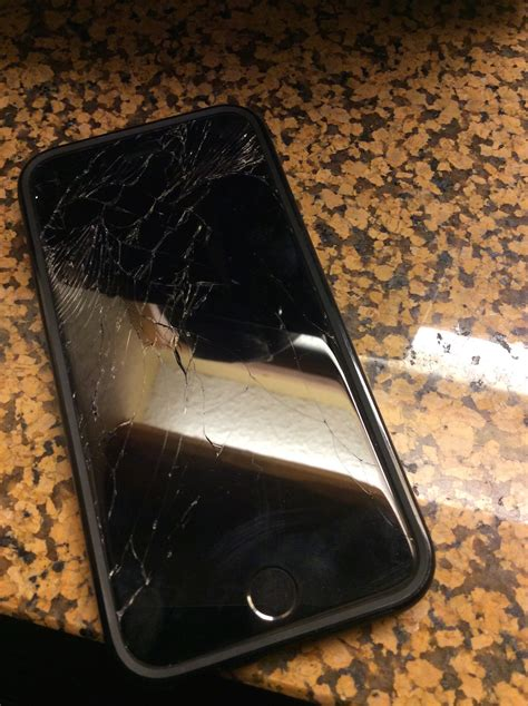 iphone 6 screen cracked i m now in the cracked screen club apple iphone forum