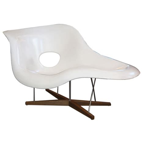 chaise a bascule blanche charles eames chaise lounge at stdibs also charles and