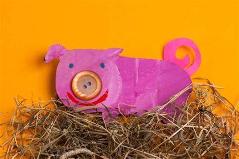 glücksbringer basteln mit kindern basteln mit kindern kostenlose bastelvorlage tiere schweinchen