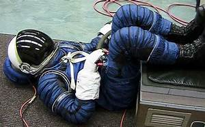 NASA contracts for Constellation spacesuit - collectSPACE ...