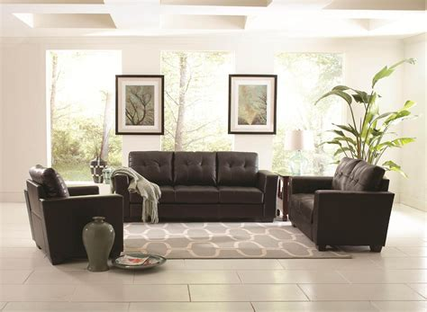 Black Leather Sofa Decorating Ideas by Black Leather Plus White Gray Rug On The White Tile