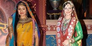 Yay! Paridhi Sharma dan Lavina Tandon Bakal Datang ke ...