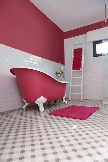 peinture sur baignoire et murs salle de bain r 233 tro