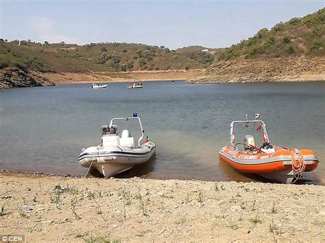 Banana Boat Accident Portugal by Search Resumes For Briton Missing Since He Fell Off Banana
