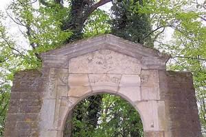 Porte Du Diable Dijon : la porte du jardin du clo tre des feuillants fontaine ~ Dailycaller-alerts.com Idées de Décoration