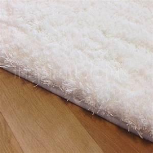 Tapis Shaggy Blanc : tapis de luxe shaggy moelleux blanc clatant par inspiration luxe ~ Preciouscoupons.com Idées de Décoration