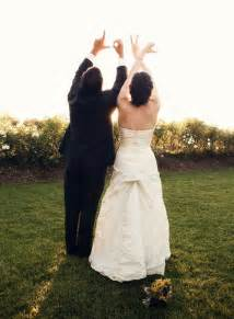 wedding photos ideas wedding photo ideas 10 creative ways to pose crazyforus
