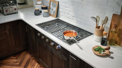 wolf cgcslp   rangetop   sealed burners total continuous cast iron grates