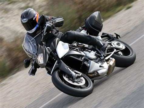 Review Mv Agusta Stradale 800 by 2015 Mv Agusta Stradale 800 Ride Review Rider Magazine