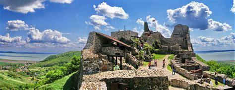 Egy térkép, amit hozzád hasonló emberek készítettek! A 10 legszebb hazai vár, ahol a bor és a történelem újra ...