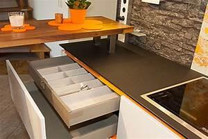 Küchen In Holzoptik : k chen in holzoptik alles ber keramikfliesen ~ Markanthonyermac.com Haus und Dekorationen