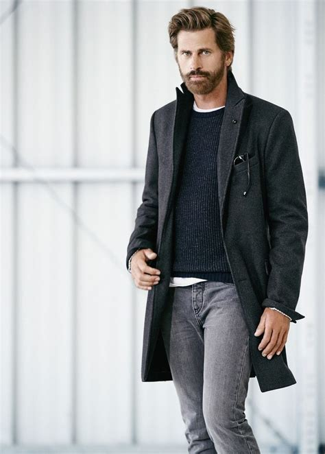 light grey long coat fall winter street style casual style lumbersexual