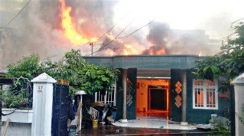 rumah janda terbakar
