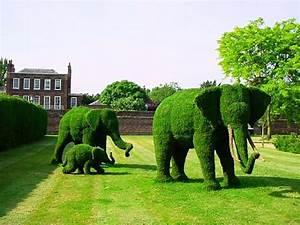 Déco De Jardin : 18 exemples d art topiaire inspir s par les personnages de ~ Melissatoandfro.com Idées de Décoration