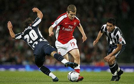 Arsenal 2 West Bromwich Albion 0: match report