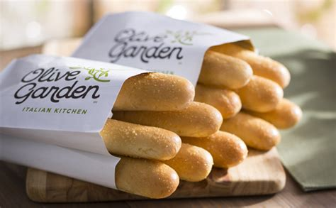 how many calories in olive garden breadstick breadsticks unbaked lunch dinner menu olive garden