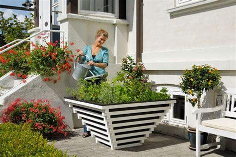 vasi da giardino fai da te ecco come costruire una fioriera faidate in legno http