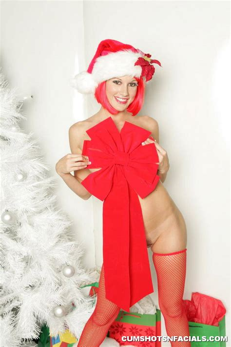 Lauren Phoenix Strips Naked for Christmas        page