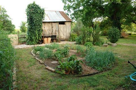 vegetable garden design casual cottage