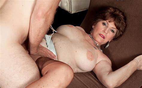 Mature Sex Horny Granny Pussy