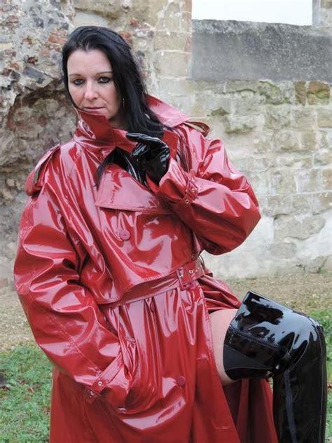 dunkelrot regenmantel regenkleidung kleidung