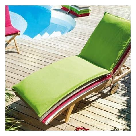 coussin pour chaise longue pas cher coussin pour bain de soleil coloris moorea pas