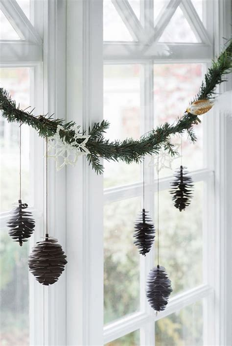 37 Cozy Scandinavian Christmas Decorations Ideas   All