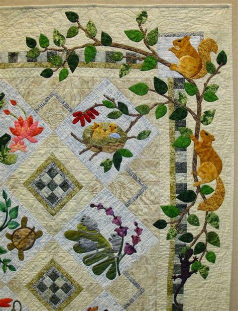 Applique Quilt by Best 25 Applique Quilts Ideas On Aplique