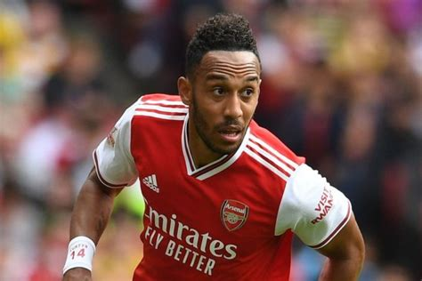 Aubameyang fastest Arsenal player to 50 Premier League ...