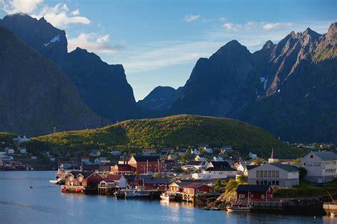 days  norways lofoten islands  road trip itinerary