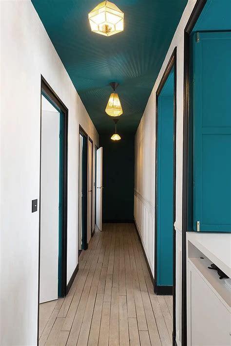 deco bleu  noir une hirondelle dans les tiroirs deco