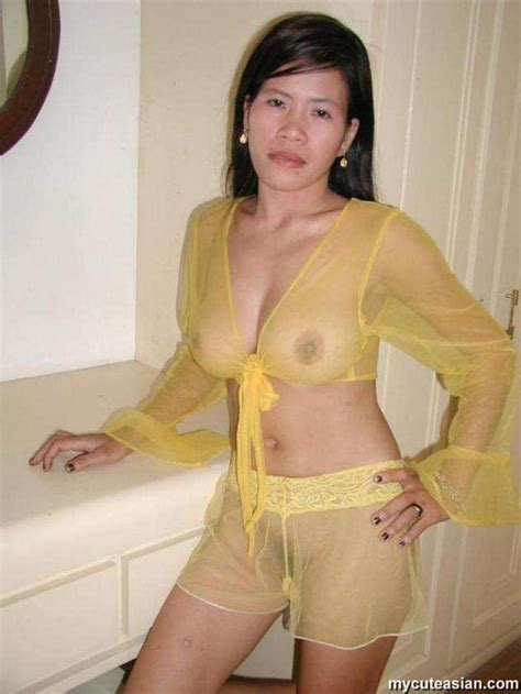 Asian Amateur Wife In Sexy Yellow Lingerie Fingers Her