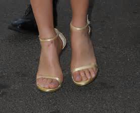 white lilly margot robbie foot and shoes