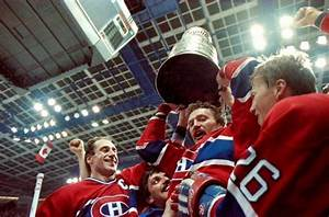 Larry Robinson holding the Stanley Cup up high | Montreal ...