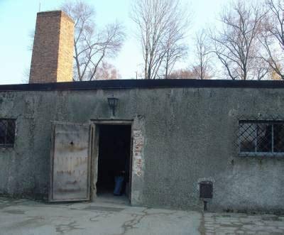 chambre a gaz auschwitz la chambre a gaz d 39 auschwitz i visite du c d