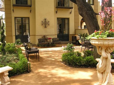 Tuscan Style Backyard Landscaping