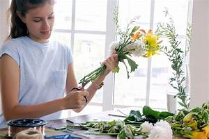 The Definitive Guide To Making Fresh Cut Flowers Last Longer