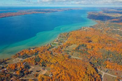 Stretching 19 miles (31 km) long, it is the longest inland lake in michigan. Exploring the Torch Lake Nature Preserve | GT Scene ...