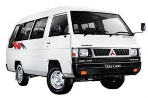 Review Mitsubishi L300 by Mitsubishi L300 Minibus Interior