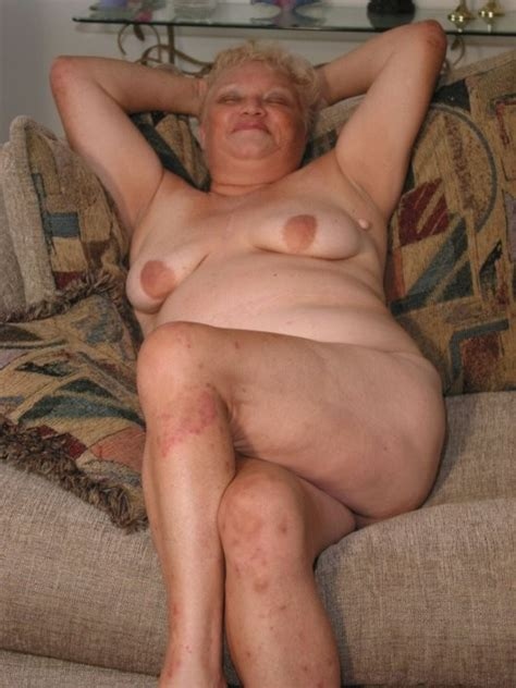 Pic152 In Gallery Fat Nude Granny Showing Her Stuff