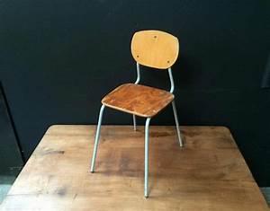 Chaise Enfant Vintage : chaise d 39 cole vintage ~ Teatrodelosmanantiales.com Idées de Décoration