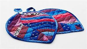 Vorhänge Nähen Lassen : diese sch nen topflappen im quilt look lassen sich aus kleinen briggebliebenen stoffstreifen ~ Orissabook.com Haus und Dekorationen